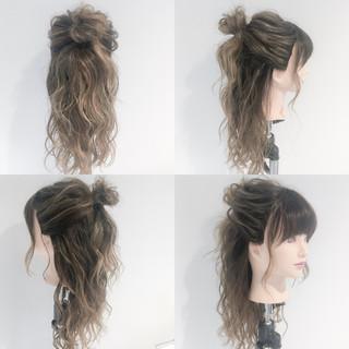 フェミニン お団子 ヘアアレンジ ロング ヘアスタイルや髪型の写真・画像