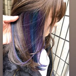 インナーブルー アッシュ ミディアム インナーカラーパープル ヘアスタイルや髪型の写真・画像