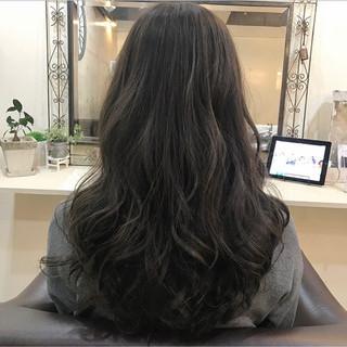 巻き髪 ロング 大人かわいい ナチュラル ヘアスタイルや髪型の写真・画像