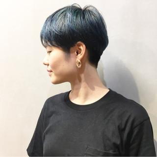 アッシュグレージュ ストリート ターコイズブルー ターコイズ ヘアスタイルや髪型の写真・画像