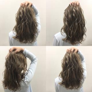 ストリート 波ウェーブ ヘアアレンジ 外国人風 ヘアスタイルや髪型の写真・画像