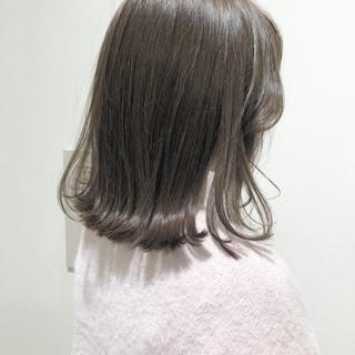 ボブ 外ハネ フェミニン セミロング ヘアスタイルや髪型の写真・画像