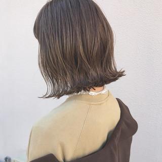 ナチュラル アンニュイ 外ハネ 切りっぱなし ヘアスタイルや髪型の写真・画像