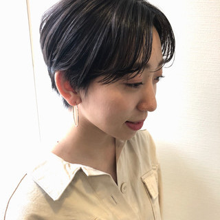ラベンダーグレージュ コントラストハイライト 暗髪バイオレット 透明感 ヘアスタイルや髪型の写真・画像