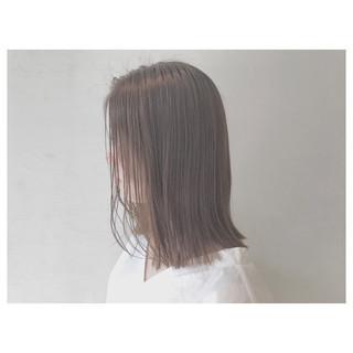 アウトドア リラックス 梅雨 オフィス ヘアスタイルや髪型の写真・画像