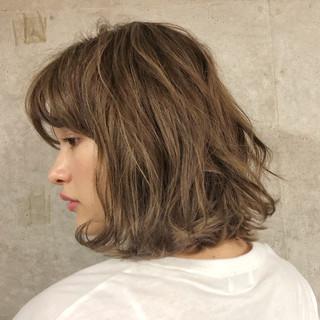 ボブ デート アウトドア ナチュラル ヘアスタイルや髪型の写真・画像