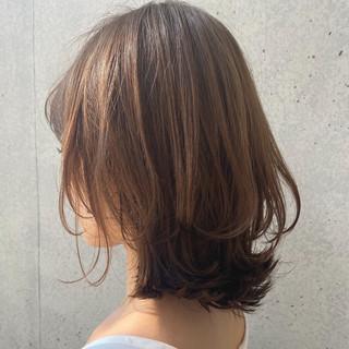 大人ミディアム レイヤーカット 大人可愛い ナチュラル ヘアスタイルや髪型の写真・画像 | 櫻木裕紀 / Agnos青山