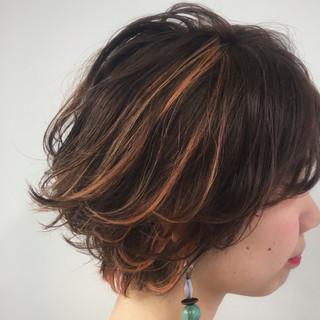 オレンジ イエロー ブリーチ ハイライト ヘアスタイルや髪型の写真・画像