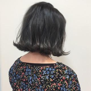 グレージュ デート ボブ グラデーションカラー ヘアスタイルや髪型の写真・画像