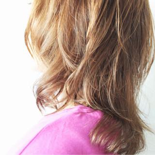 アンニュイ ミルクティー ミルクティーベージュ ナチュラル ヘアスタイルや髪型の写真・画像 ヘアスタイルや髪型の写真・画像