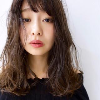 セミロング 秋 色気 透明感 ヘアスタイルや髪型の写真・画像