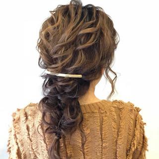 ナチュラル 編みおろしヘア かわいい 結婚式ヘアアレンジ ヘアスタイルや髪型の写真・画像