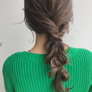 ナチュラル セミロング ヘアアレンジ アンニュイほつれヘア ヘアスタイルや髪型の写真・画像