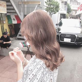 ミルクティーベージュ アッシュグレージュ ロング オリーブベージュ ヘアスタイルや髪型の写真・画像