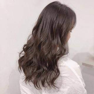 透明感 ロング ナチュラル ラベンダーアッシュ ヘアスタイルや髪型の写真・画像
