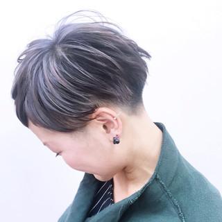 モード グラデーションカラー ハイライト ラベンダー ヘアスタイルや髪型の写真・画像 ヘアスタイルや髪型の写真・画像