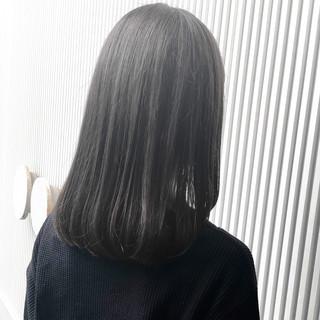 アッシュ ストレート 前髪 ミディアム ヘアスタイルや髪型の写真・画像