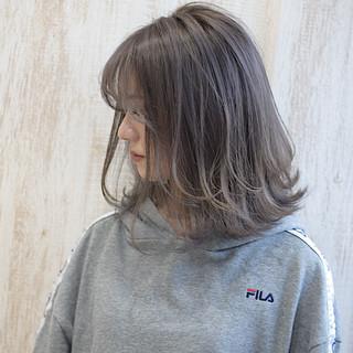 ボブ ミルクティーグレージュ ナチュラル ハイトーン ヘアスタイルや髪型の写真・画像