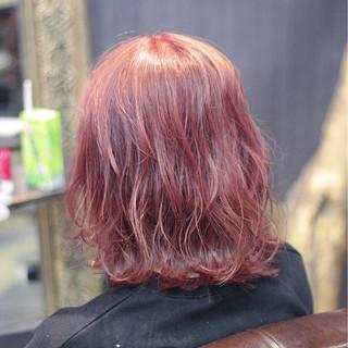 外国人風 ボブ レッド ウェーブ ヘアスタイルや髪型の写真・画像