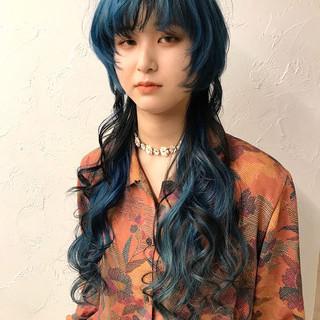 ウルフカット ロング ストリート インナーカラー ヘアスタイルや髪型の写真・画像