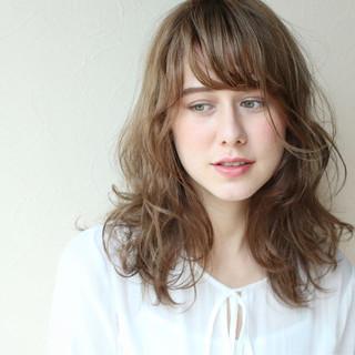 ガーリー ヘアアレンジ ゆるふわ パーマ ヘアスタイルや髪型の写真・画像