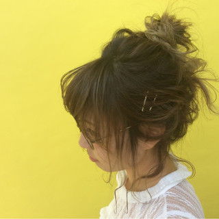 涼しげ ヘアアレンジ アッシュベージュ ミディアム ヘアスタイルや髪型の写真・画像