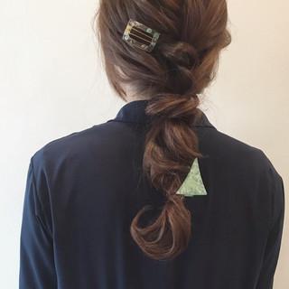 バレッタ 三つ編み ヘアアレンジ 編み込み ヘアスタイルや髪型の写真・画像