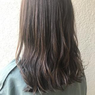 暗髪 アウトドア ナチュラル 透明感カラー ヘアスタイルや髪型の写真・画像