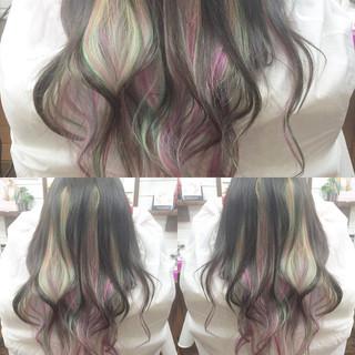 グラデーションカラー ロング ピンク ストリート ヘアスタイルや髪型の写真・画像 ヘアスタイルや髪型の写真・画像