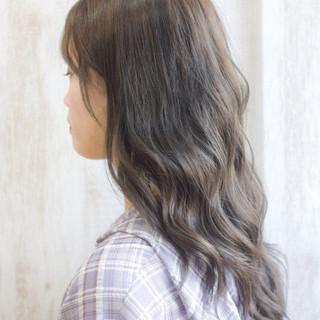 マットグレージュ ミルクティーグレージュ ミディアム ラベンダーグレージュ ヘアスタイルや髪型の写真・画像