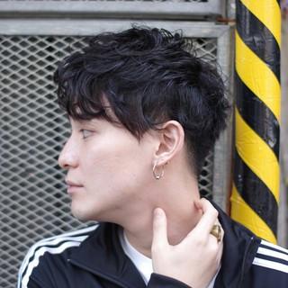 ボーイッシュ メンズ 黒髪 パーマ ヘアスタイルや髪型の写真・画像