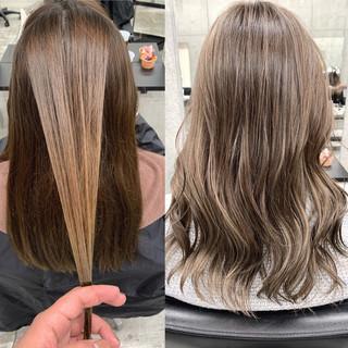 レイヤースタイル セミロング ミルクティーベージュ 大人ハイライト ヘアスタイルや髪型の写真・画像