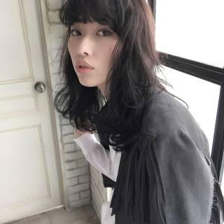 モード ウェットヘア ミディアム 暗髪 ヘアスタイルや髪型の写真・画像