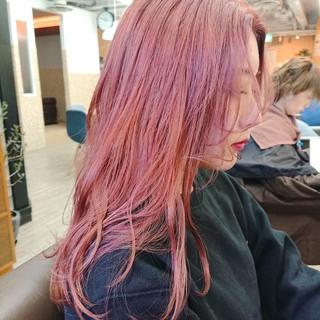 ブリーチカラー ピンクカラー セミロング TOKIOトリートメント ヘアスタイルや髪型の写真・画像