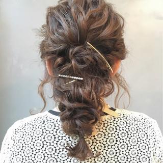 ヘアアレンジ 結婚式 セミロング 波ウェーブ ヘアスタイルや髪型の写真・画像