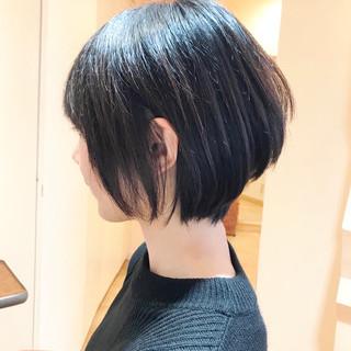 デート オフィス ショート 小顔ショート ヘアスタイルや髪型の写真・画像