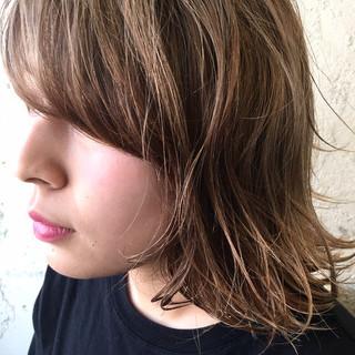 アンニュイほつれヘア ボブ パーマ アウトドア ヘアスタイルや髪型の写真・画像 ヘアスタイルや髪型の写真・画像
