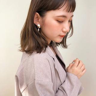 ミディアム 鎖骨ミディアム フェミニン ウルフカット ヘアスタイルや髪型の写真・画像