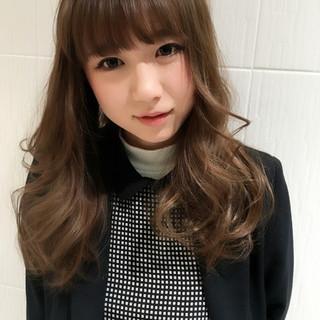 ロング ブルージュ 外国人風カラー グレージュ ヘアスタイルや髪型の写真・画像