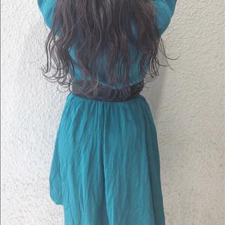 ハイライト ロング ナチュラル デート ヘアスタイルや髪型の写真・画像