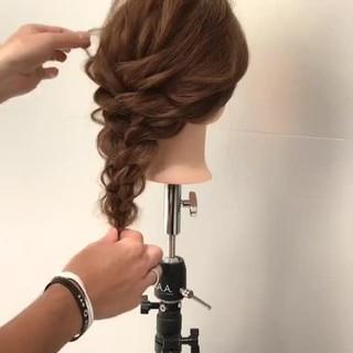 ショート フィッシュボーン ヘアアレンジ 簡単ヘアアレンジ ヘアスタイルや髪型の写真・画像