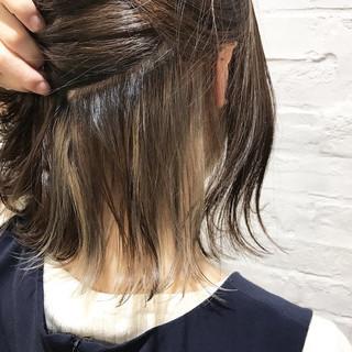 ミルクティーベージュ インナーカラー ナチュラル ミルクティー ヘアスタイルや髪型の写真・画像