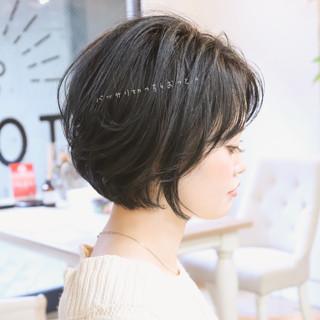 ショートヘアアレンジ パーマ ゆるふわ デート ヘアスタイルや髪型の写真・画像