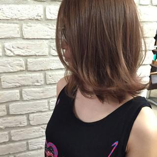 外国人風 ミディアム イルミナカラー ストリート ヘアスタイルや髪型の写真・画像