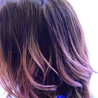 ガーリー レッド ミディアム ミルクティー ヘアスタイルや髪型の写真・画像