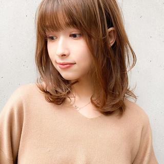 前髪あり 大人かわいい ナチュラル 外ハネ ヘアスタイルや髪型の写真・画像