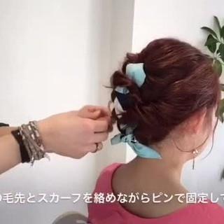 ルーズ 編み込み ヘアアクセ ミディアム ヘアスタイルや髪型の写真・画像