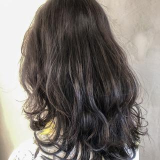 ミディアム 大人可愛い ブルージュ ストリート ヘアスタイルや髪型の写真・画像