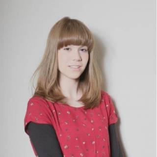 セミロング ガーリー 卵型 丸顔 ヘアスタイルや髪型の写真・画像 ヘアスタイルや髪型の写真・画像