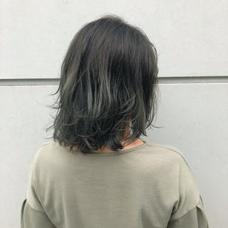 ナチュラル ロブ バレイヤージュ アウトドア ヘアスタイルや髪型の写真・画像